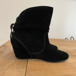 Black Wedge Pansy Booties
